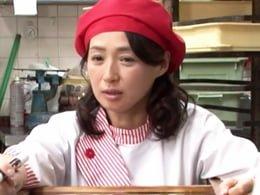 パン屋でのバイト中に五十路の綺麗なパートのおばさんをハメる! 安野由美