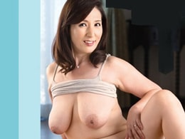 絶倫息子にハメられまくって潮を吹いてしまう垂れ巨乳の四十路母! 園田ユキ
