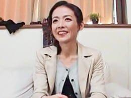 成田あゆみ