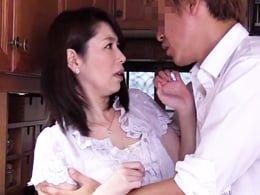 今の妻より、前の年増の女房のカラダのほうがセックスの相性がいいみたい 翔田千里