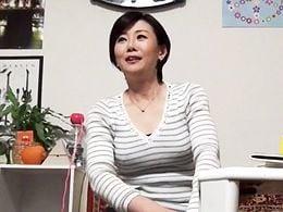 熟女ナンパ ショートカットが似合う45歳奥さんをヤリ部屋に連れ込んでセックス隠し撮り!