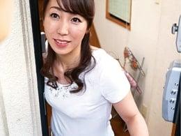 娘の彼氏を奪い取る痴女な四十路母!フェラ&生中出し! 藤澤美織