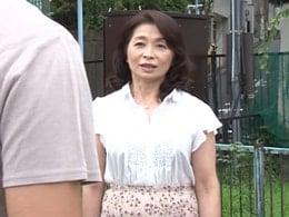 六十路で年上の元妻と偶然の再会!セックスの相性が抜群だった 遠田恵未