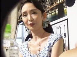 熟女ナンパ ☆ 四十路の痩せた美魔女との不倫セックスを盗撮!