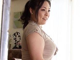 お義母さんのその豊満な体、一度でいいからおなしゃす! 小泉景子