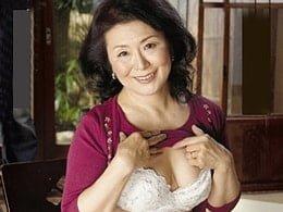 性に飢えた六十路母がオナニーを見つかり息子と関係を持つ… 松岡貴美子