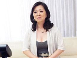 43歳の奥さんを脱がしたら黒乳首の巨乳が出現しちゃいました 益田あや