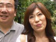 熟年夫婦がカメラの前でわかめ酒を披露し濃厚にまぐわう 吉岡幸子