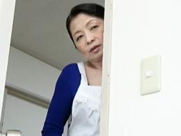 六十路の家政婦が近親相姦を覗いてしまった結果… 遠田恵未 山本遥