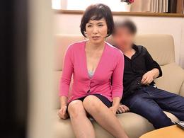 上京した六十路の義母といっしょにAV鑑賞したところ… 内原美智子